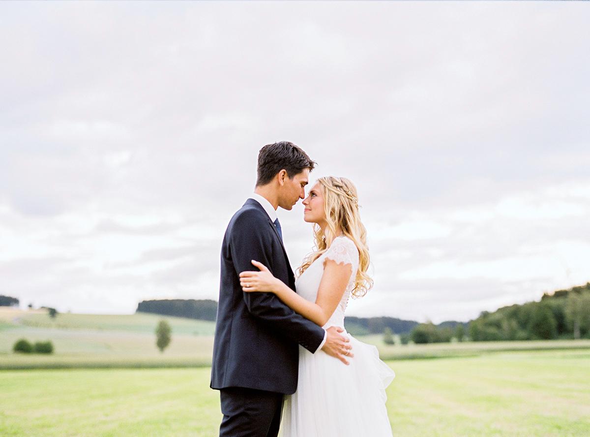 Scheune Hochzeit Bayern Hochzeitsfotograf Bavaria Wedding Photographer (7)