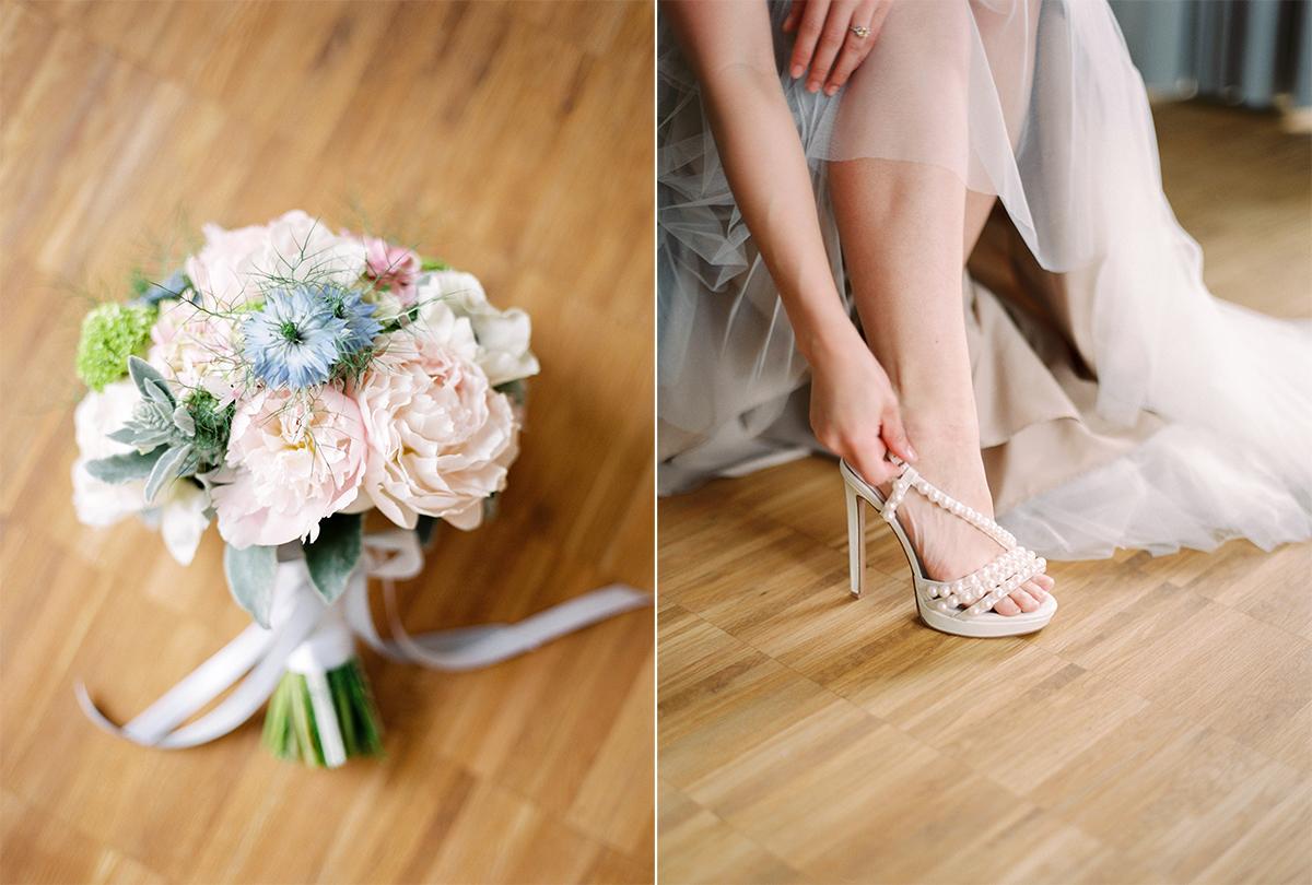 peonie bridal bouquet