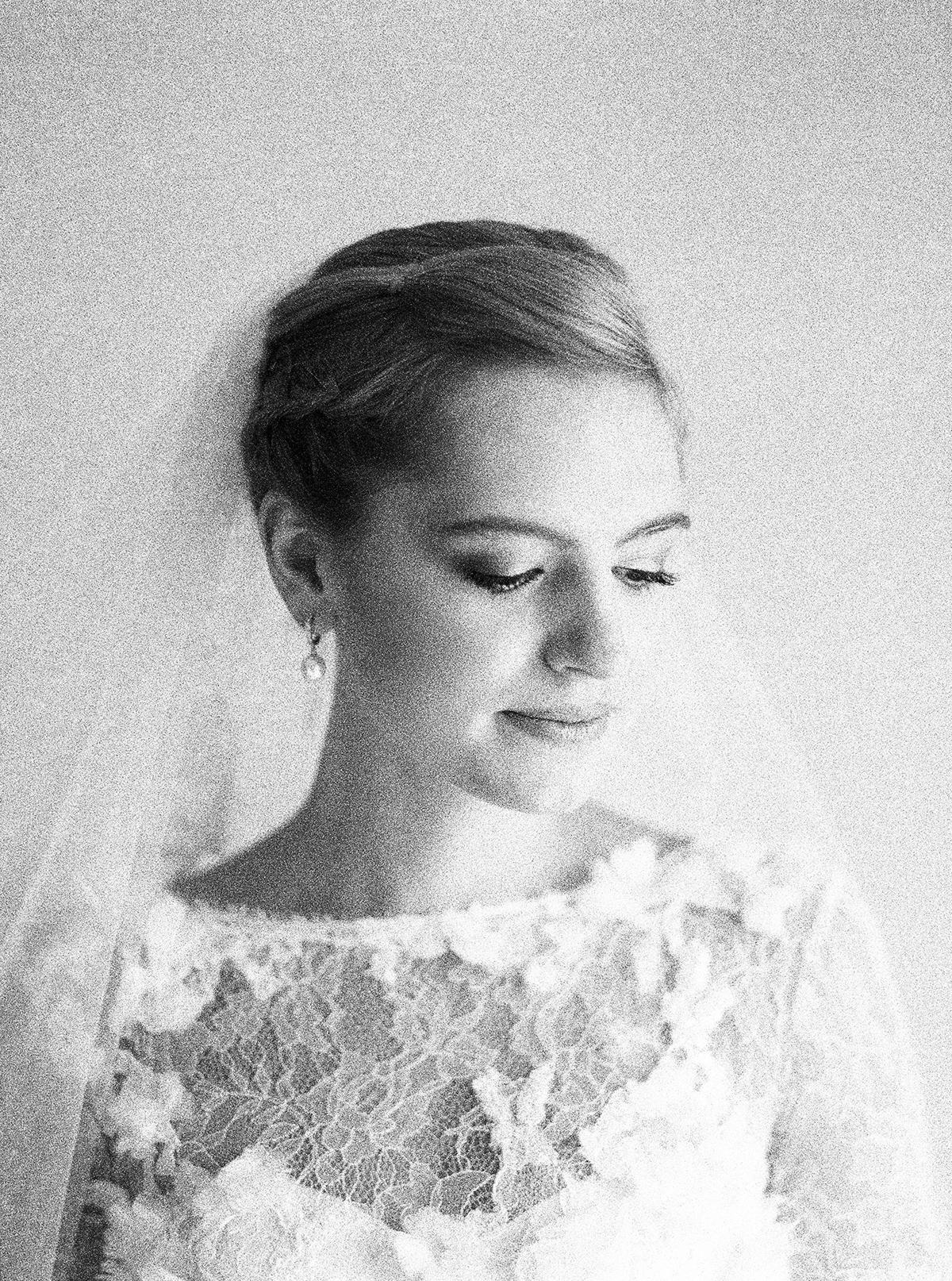 Landgut Stober Hochzeit | Fine Art Film Wedding Photography by Ashley Ludaescher (10)