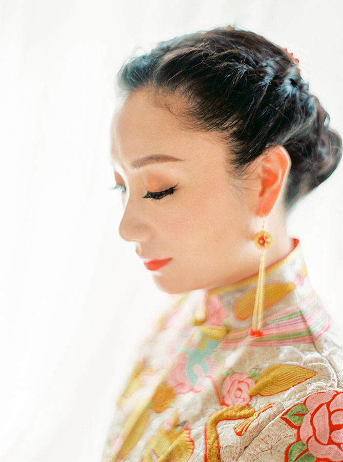 Chinese Bride Getting Ready at Hotel Imperial
