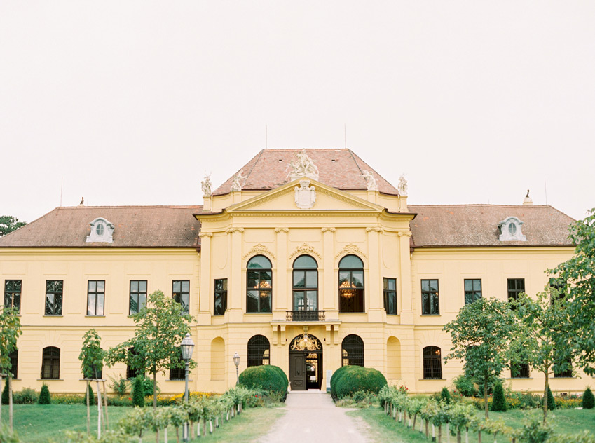 Hochzeit Schloss Eckartsau Wedding Photographer Vienna Austria Ashley Ludaescher